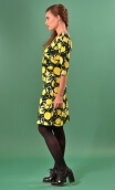 Robe Sarah Citrons, printed knit dress, crossed heart, adjusted at the top, flares down, sleeve ¾.