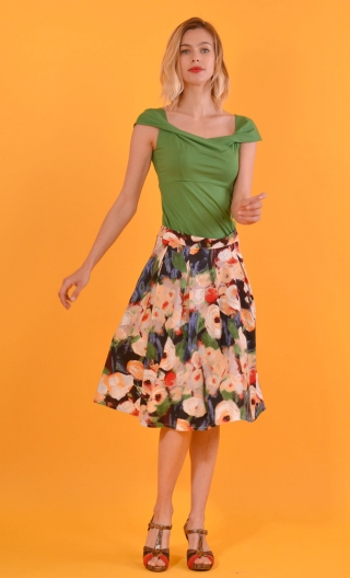 Skirt Une Femme Tu sais Monet, twirling skirt, hides the knee. Hollow pleats on the front, Simple back pockets in seam.