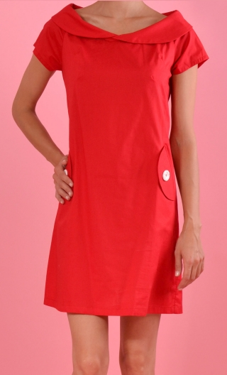 Dress Darjeeling Seniora Red,Trapeze dress, small sleeves, Peter Pan collar, waist and loose hips, pockets.
