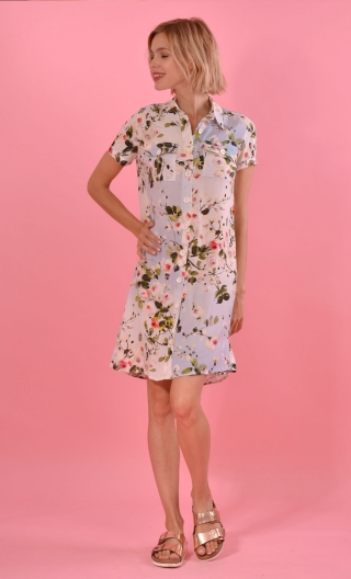 Robe Louise Marquises, printed shirt dress, straight, knee, pleat, buttoned, small patch pockets, short sleeves