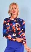 Shirt Little Jo in Crazy Bloom bleu rouge, printed shirt long sleeve with cuffs, fluid, pointed collar, chest pockets with flaps