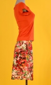 Jupe Swan Jardin d'Italie Rouge, A-line printed skirt just above the knee, zipped at the back.