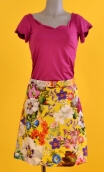 Jupe Swan Kitch Jaune, A-line printed skirt just above the knee, zipped at the back.