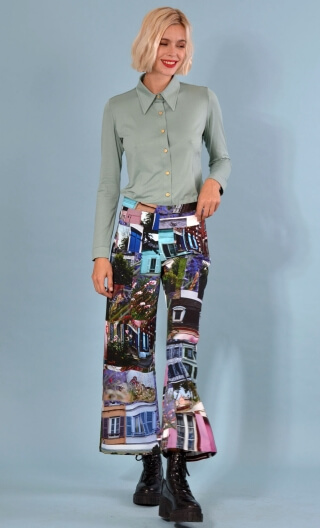 Trousers Gabin Indiscretions print, Wide and slightly short, stretch, flat profile, side zip, back and front patch pockets.