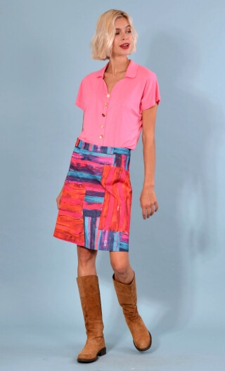 Jupe Swan Casa Azul, A-line printed skirt just above the knee, zipped at the back.
