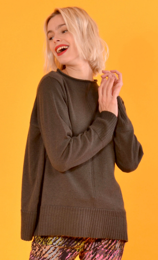 Pull Le Balbuzard Wool & Silk green, Deconstructed, crew-neck sweater, Italian merino / cashmere and silk knit