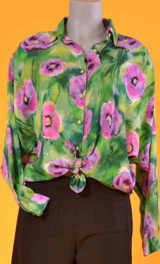 Chemise Résiste Pavots, Oversized print shirt, long sleeves with cuffs, pointed collar..