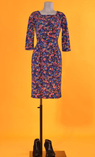 Robe Cahiers du Cinéma Rainbow, Printed knit dress, fitted waist, knee length, 3/4 sleeves