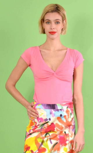 Top Sister Act en Basiques Raffinés Rose, adjusted, interlaced cups and small sleeves.