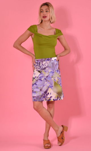 Jupe Swan Chartreuse de Parme, A-line printed skirt just above the knee, zipped at the back.