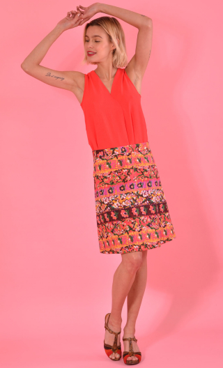 Top Luciole Plume red, sleeveless top, fluid, V neckline with ease pleat