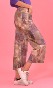 Pantalon Le Frère de Gus in print Siouxie. Stretch velvet trousers, urban chic, french style, Paris. Wide and a little sh